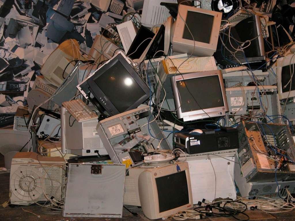 Antes de enviar el 2020 a la carpeta de eliminados (y IV). Ordenadores viejos, ficheros antiguos... ¡basura electrónica!
