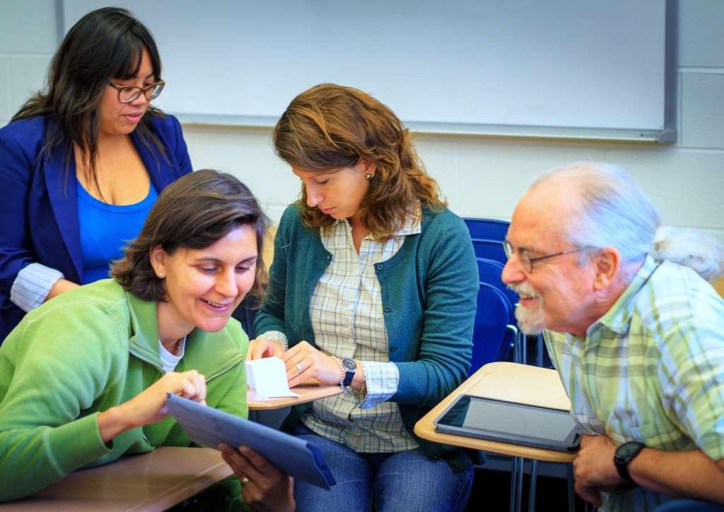 Ayudamos al profesorado de ciberseguridad en formación profesional